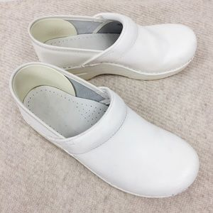 Dansko White Leather Clogs Comfort Shoes Size 38